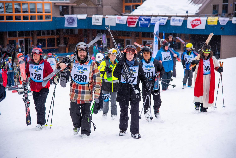 MaineMagazine DDostie WinterKidsDownhill242020 9118